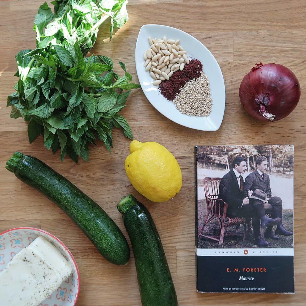 livre maurice avec des légumes et des épices